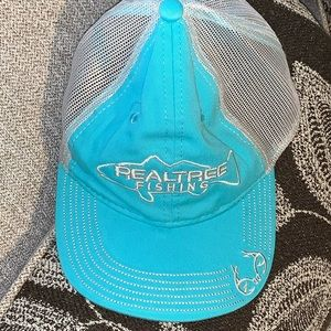 Real tee hat